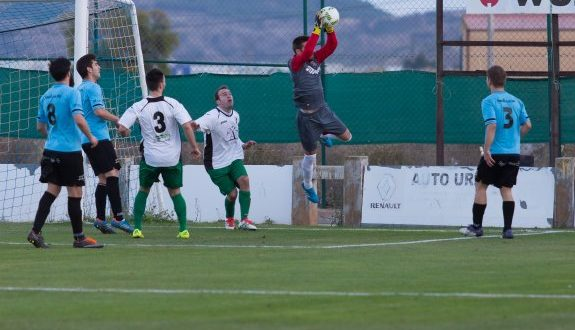 Campo de futbol San Roque Agoncillo La Rioja partido de futbol de tercera Agoncillo - Alfaro 13 noviembre 2016 Sonia Tercero